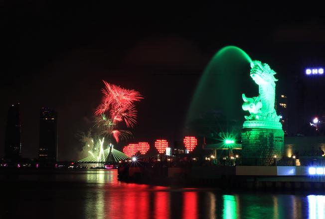 Tượng Cá chép hóa Rồng – Biểu tượng du lịch mới của thành phố Đà Nẵng