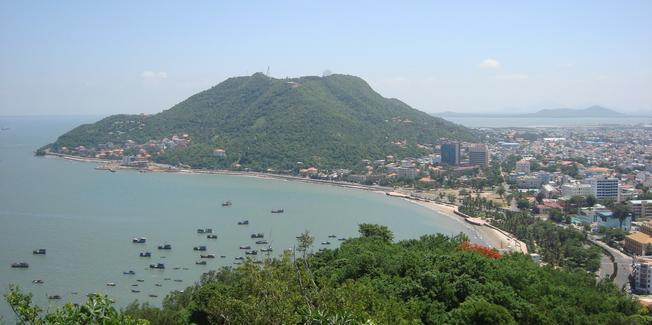 Vẻ đẹp đầy màu xanh của núi Vũng Tàu