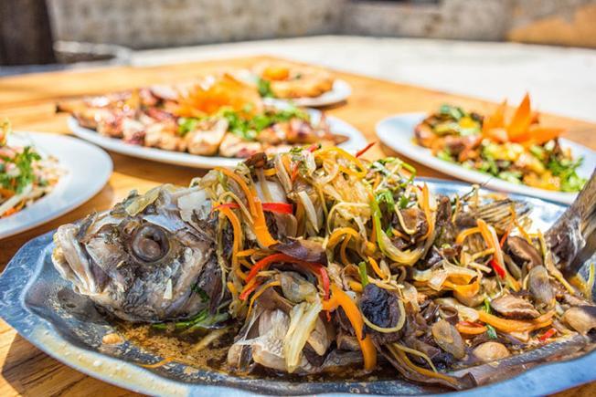 Cá chẽm hấp nấm đặc biệt thơm ngon tại Bao La Quán