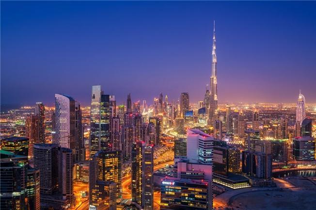 Phải chăng nơi đây là thành phố của hàng tỉ ngọn đèn