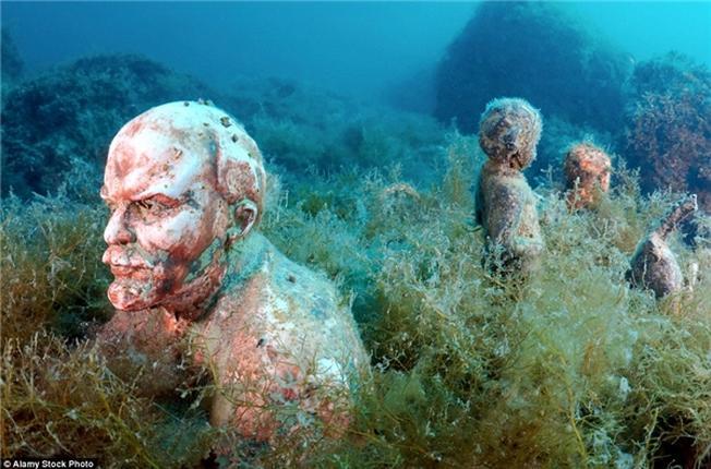 Đây là nơi tập trung nhiều bức tượng chân dung
