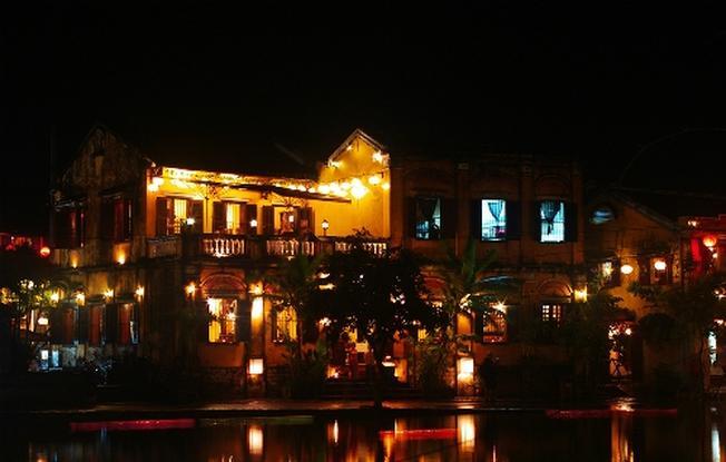 Đi Hội An khám phá vẻ đẹp về đêm