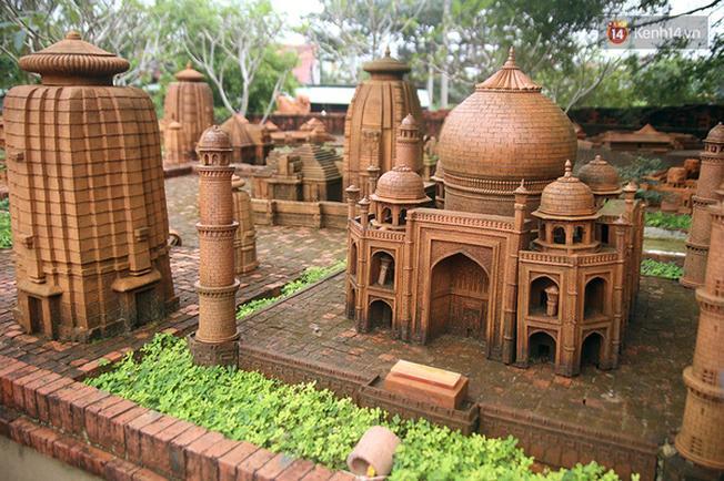Đền Taj Mahal, niềm tự hào của đất nước Ấn Độ, biểu tượng của tình yêu vĩnh cửu, đồng thời là một trong 7 kỳ quan thế giới