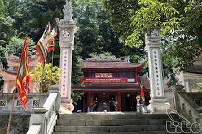 Du lịch quanh Hà Nội - Đền Tây Thiên thờ Quốc Mẫu Tây Thiên Lăng Thị Tiêu