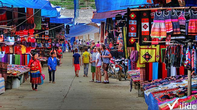 Chợ Sa Pa địa điểm mua sắm quen thuộc của nhiều du khách