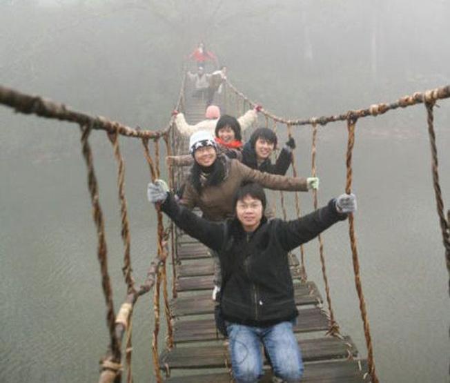 Cầu Mây Sa Pa với làn sương dày, bồng bềnh như chốn tiên cảnh
