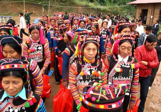 Khám phá lễ hội quét làng