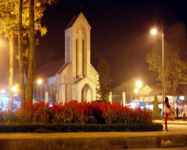 Khám phá nét kiến trúc đậm chất Pháp của nhà thờ đá