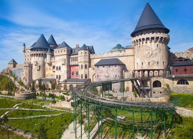 Tòa lâu đài mang kiến trúc Pháp