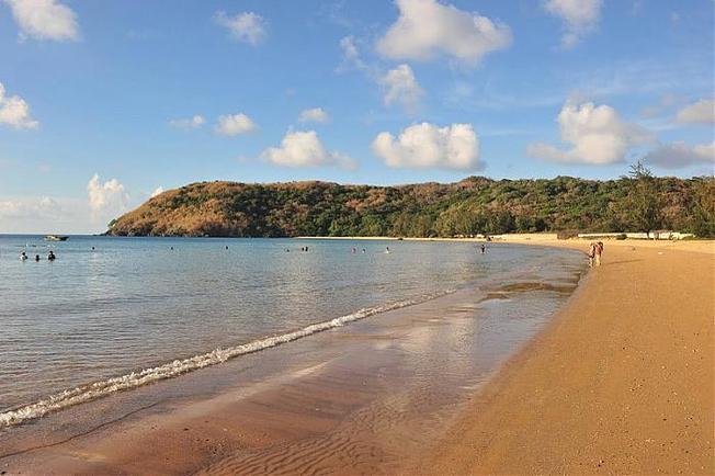 Bãi biển đầm trầu côn đảo rộng rãi, đẹp mắt (Ảnh sưu tầm)